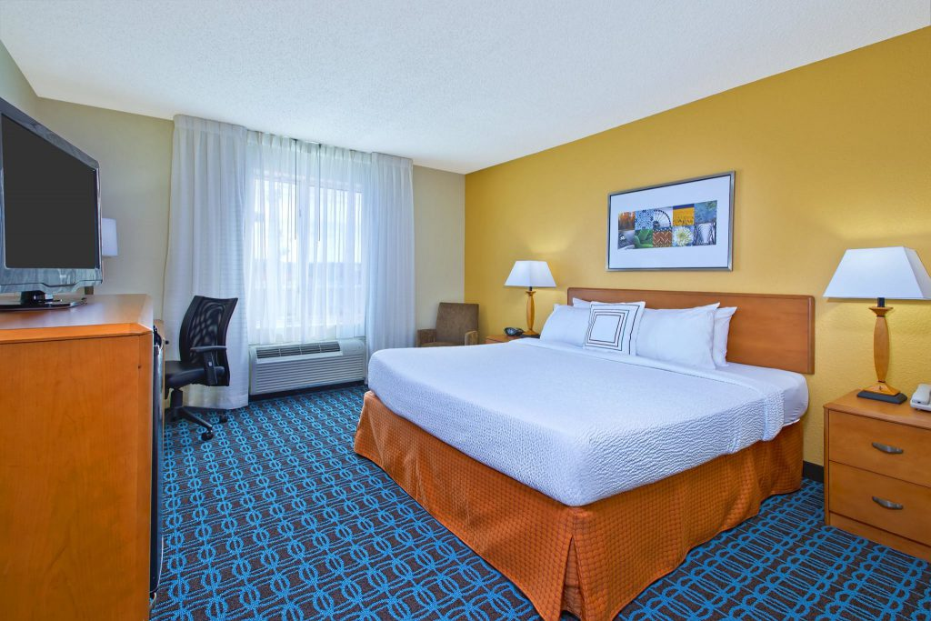 Hospitality - Fairfield Inn & Suites East Ridge King Room