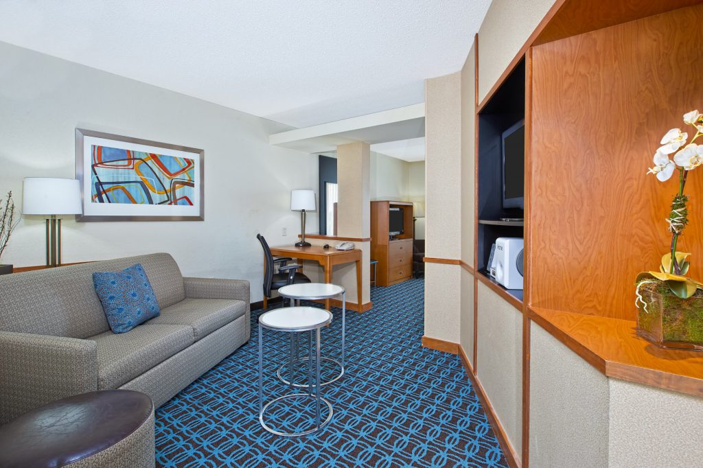 Hospitality - Fairfield Inn & Suites East Ridge Living