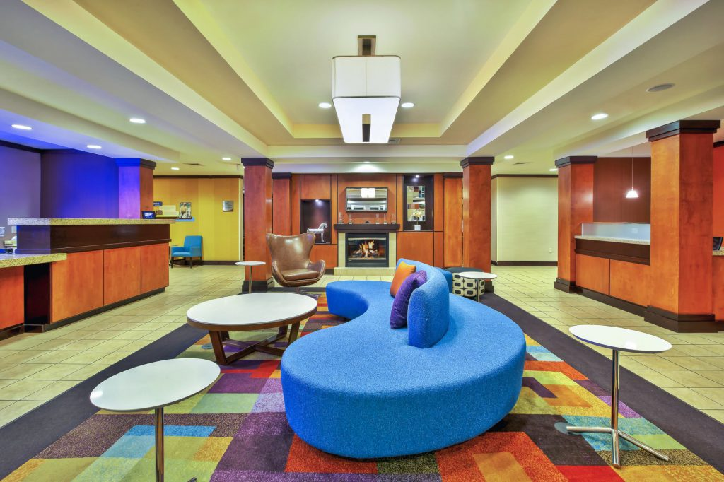 Hospitality - Fairfield Inn & Suites East Ridge Lobby