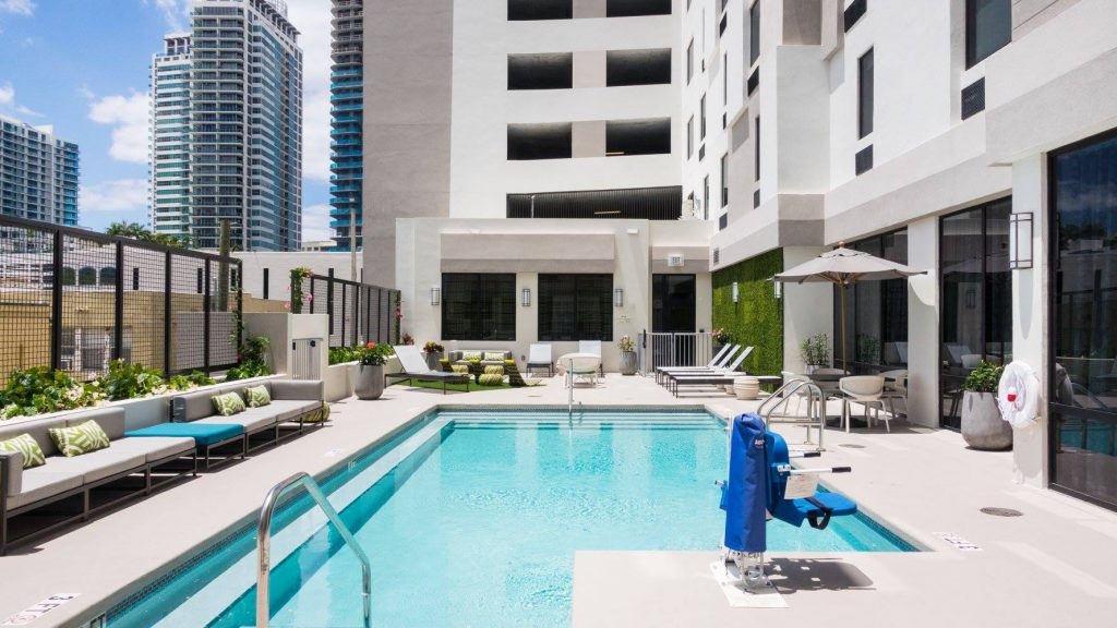 Hospitality - Hampton Inn & Suites by Hilton Miami Pool