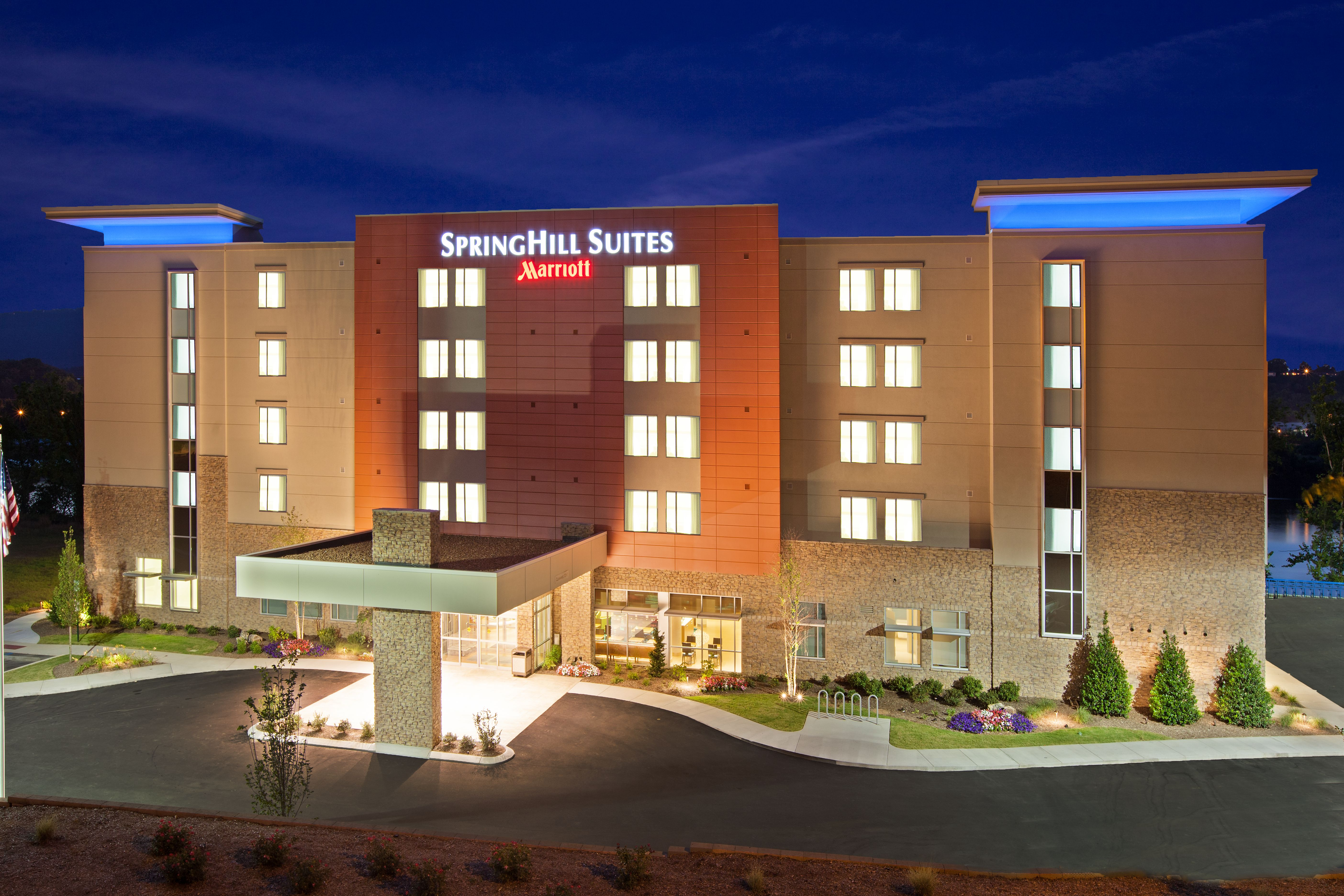 Hospitality - SpringHill Suites Chattanooga Exterior Dusk