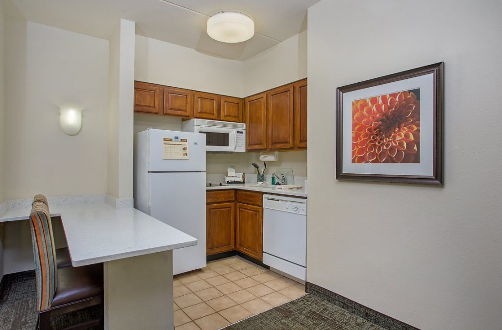 Hospitality - Staybridge Suites Chattanooga Downtown Kitchen
