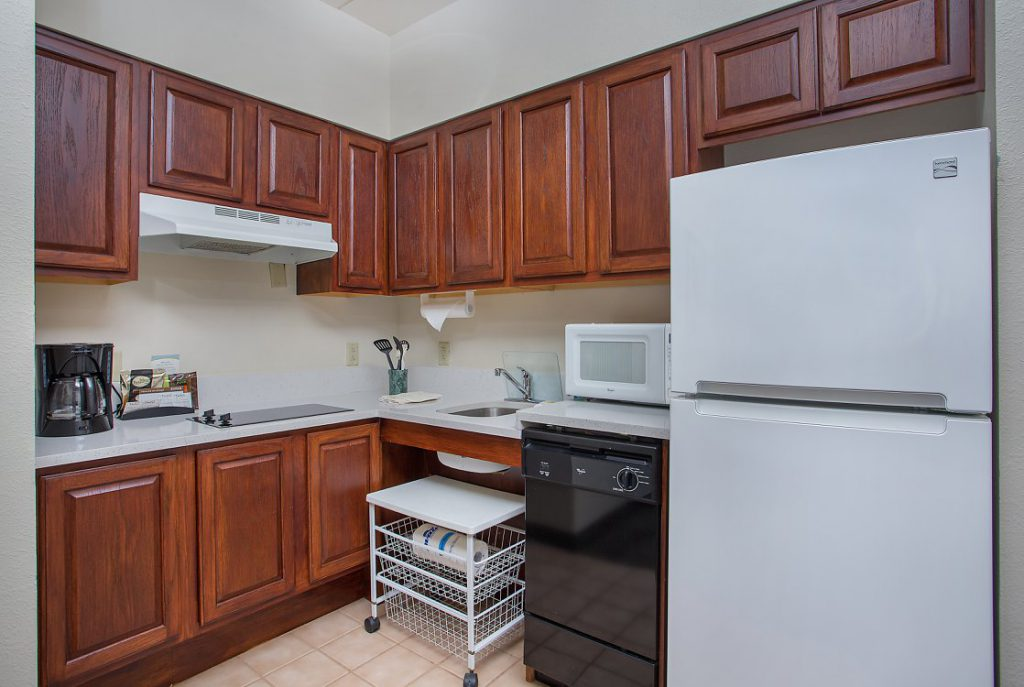 Hospitality - Staybridge Suites Chattanooga Downtown Large Kitchen
