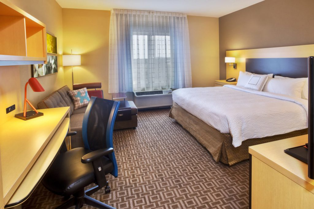 Hospitality - TownePlace Suites Franklin Cool Springs King room