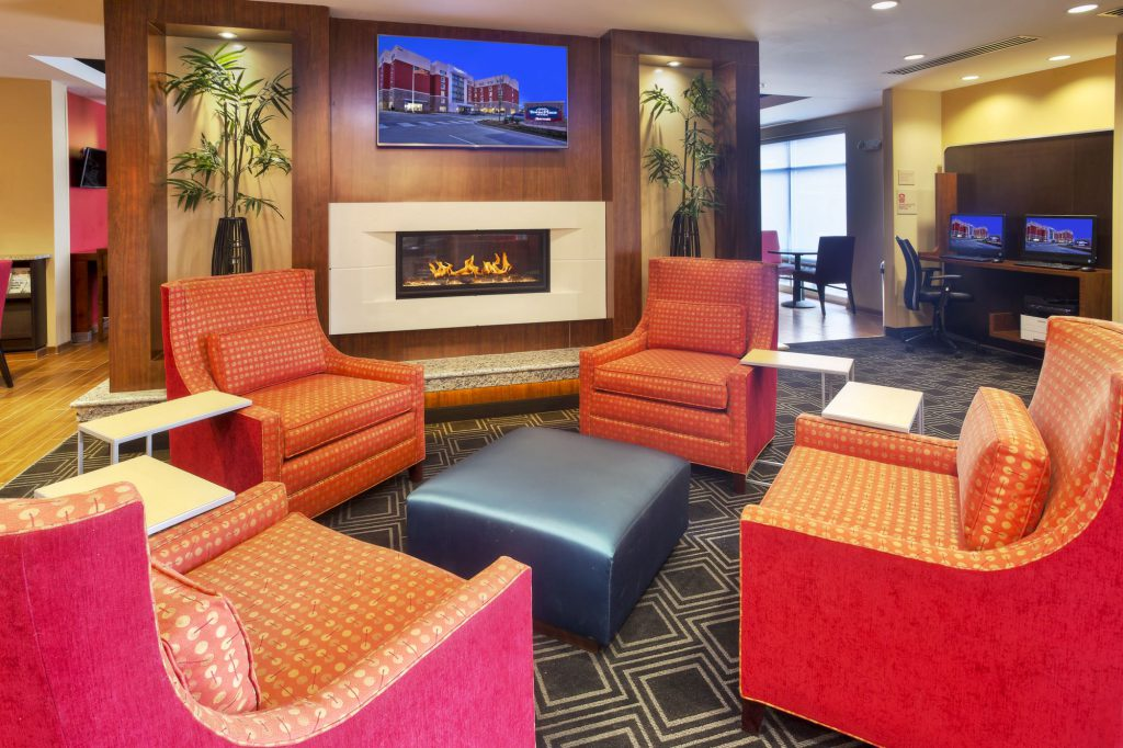 TownePlace Suites Franklin Cool Springs Lobby